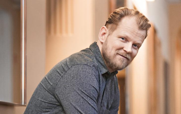 Kirjat avautuvat Antti Luusuaniemen mukaan lapselle ja aikuiselle eri tavoilla.