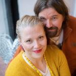Milla Mäkitalo ja Kari Kanala kirjoittivat omaan suhteeseensa perustuvan parisuhdekirjan.
