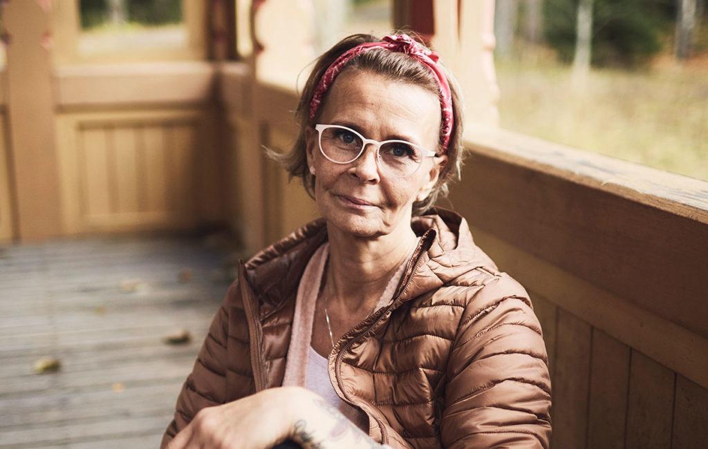 Sanna Autio oli sekakäyttäjä yli kahdeksan vuoden ajan. Toipuminen alkoi toden teolla, kun Sanna ymmärsi, että päihderiippuvuus on sairaus.