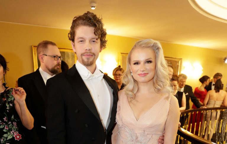 Näyttelijä-laulaja Reeta Vestman on yksi Linnan juhliin vuonna 2019 saapuvista.