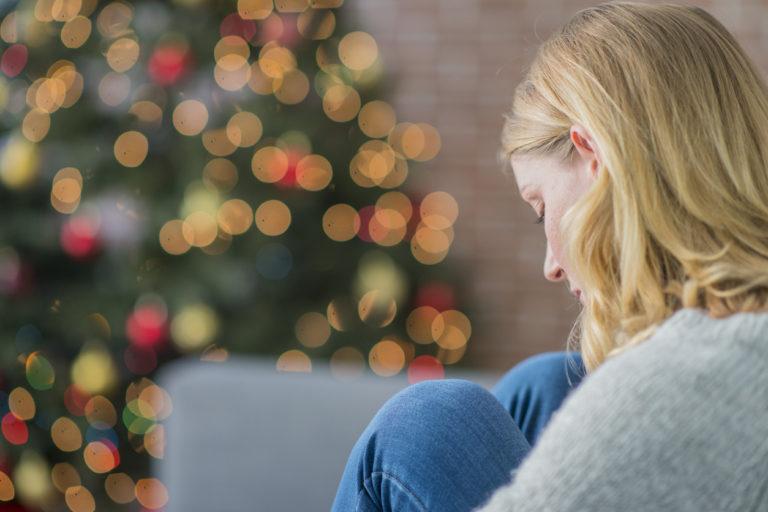 Yksinäisen ei kannata soimata itseään, vaan olla armollinen itselleen.
