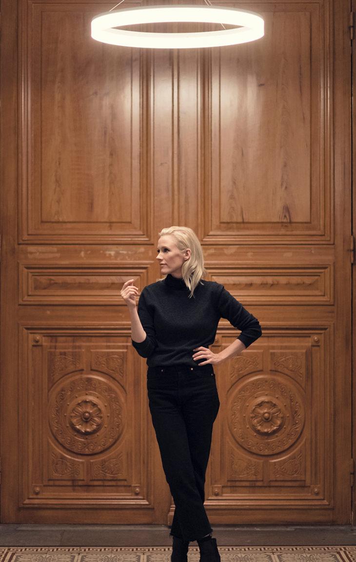 Helene Schjerfbeckin roolin Antti J. Jokisen elokuvassa tehnyt Laura Birn syventyi työssään myös Helenen taiteeseen, jota paraikaa on esillä Ateneumin taidemuseossa Helsingissä.