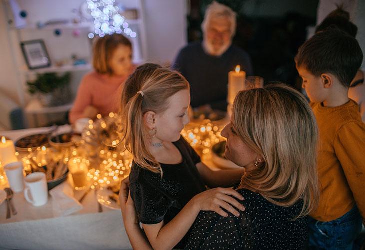 Jätä joulustressi muille ja muista, että jokaisen perheen joulu on erilainen.