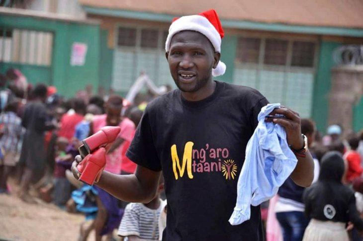 Keniassa Samuelista on tullut tunnettu hyväntekijä, jonka puhelin soi tauotta. Samuelin perustaman Mng'aro Mtaani -hyväntekeväisyysjärjestön kautta slummeihin on saatu urheiluvarusteita, koulutarvikkeita ja hygieniavälineitä.