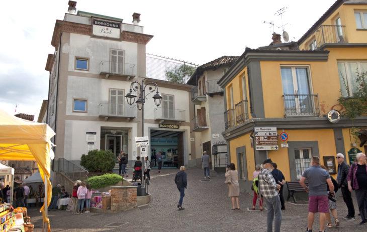 Barolon kylä