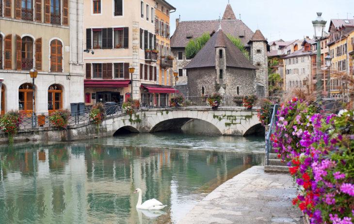 Annecyn kylä ja kanavat