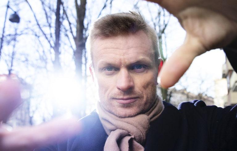 Iiro Seppänen puhuu Annassa rakkaudesta