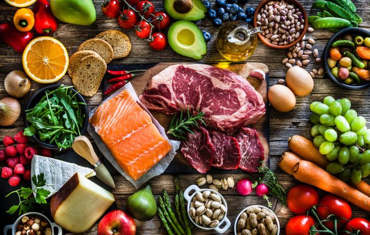 ihannekset, täysjyvätuotteet ja liha ovat tärkeitä B6-vitamiinin lähteitä eli siis aivoille hyvää ruokaa.