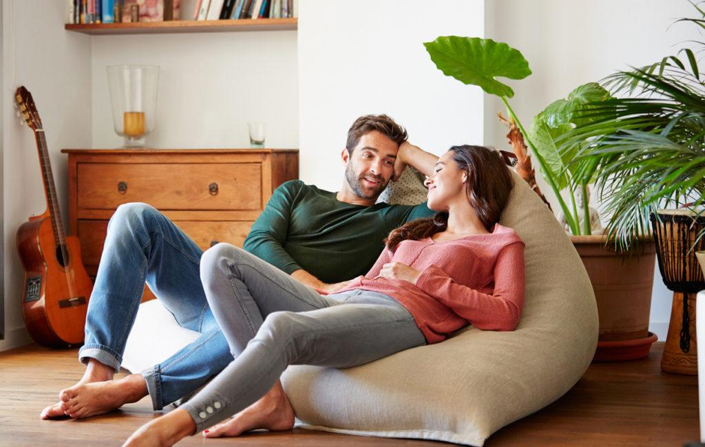 Vahvempi suhde on mahdollista saavuttaa myös puhumalla.