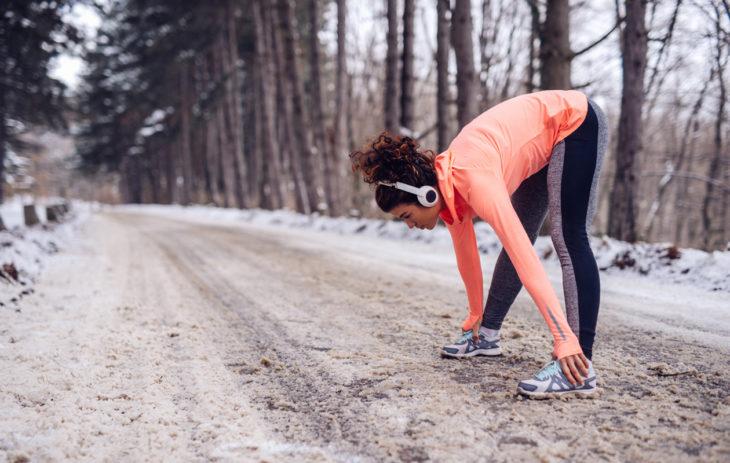 Juokseminen talvella on hyvä tapaa treenata aerobista kuntoa.
