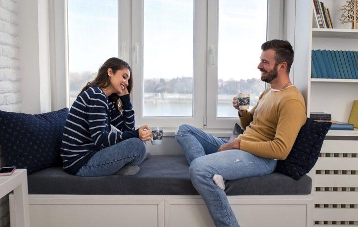 Nainen ja mies tutustuvat:onko nais- ja miesmaku muokattavissa?