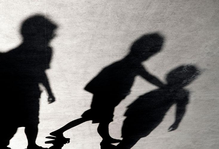 Väkivalta parisuhteessa voi periytyä myös seuraavalle sukupolvelle, jos väkivaltaisuuteen ei haeta apua tarpeeksi ajoissa.