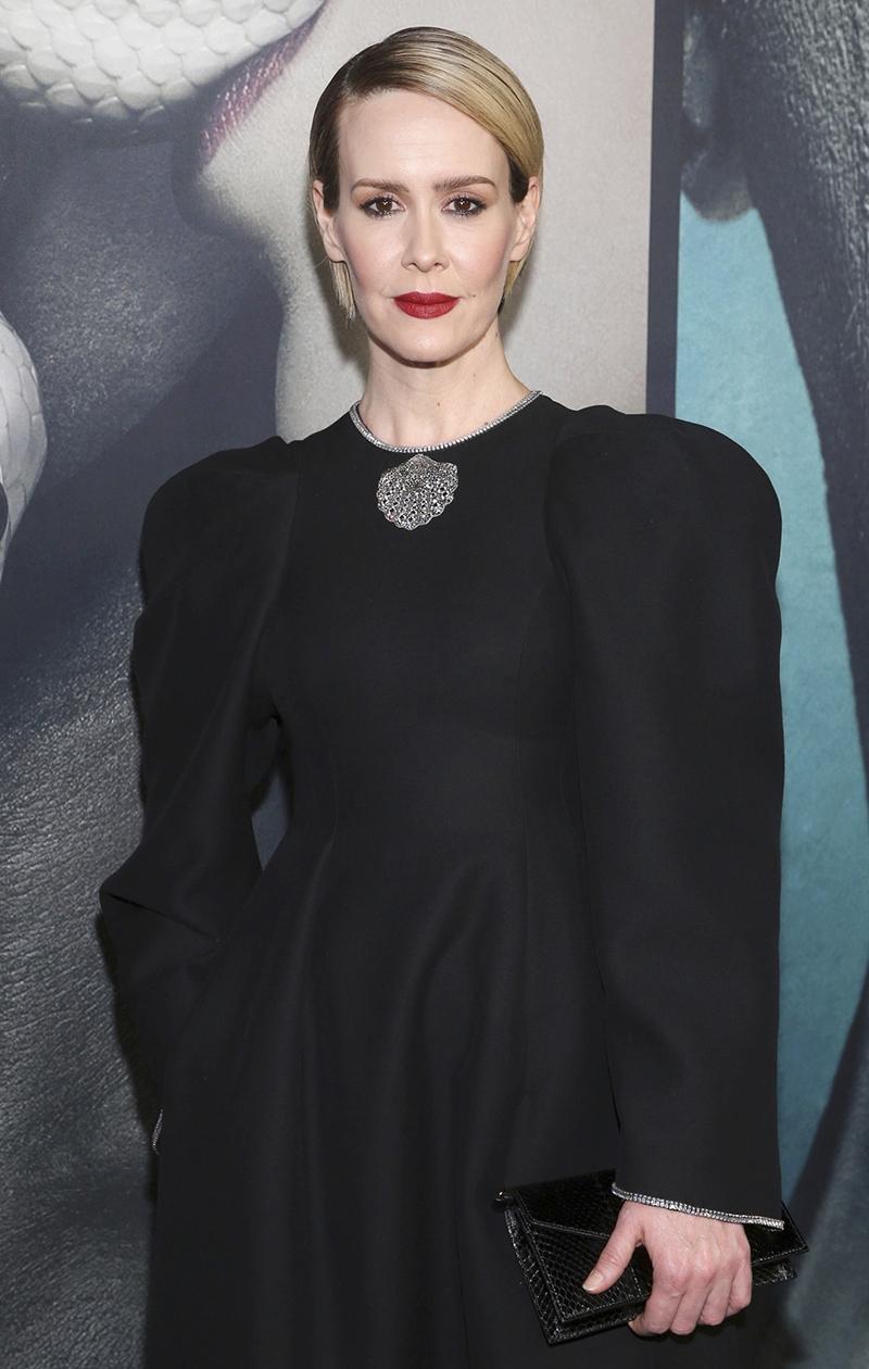 Näyttelijä Sarah Paulson on upea pixie-lookissaan.