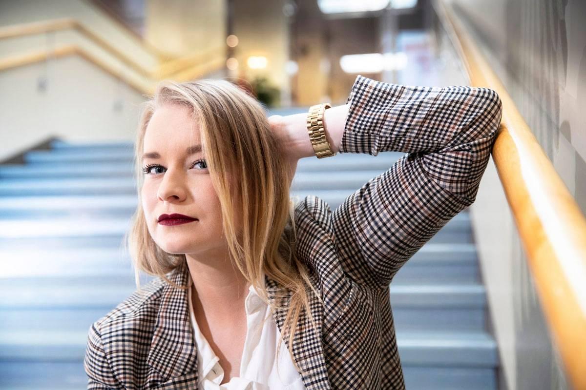 Helena Kastikainen oppi johtajaksi erehdysten ja vastoinkäymisten kautta. – Kun aloin suhtautua tiimiläisiini ja itseeni lempeämmin, myös työteho parani.