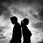 Omassa parisuhdekuplassa ei aina edes huomaa sitä, että suhteen alamäki on alkanut.