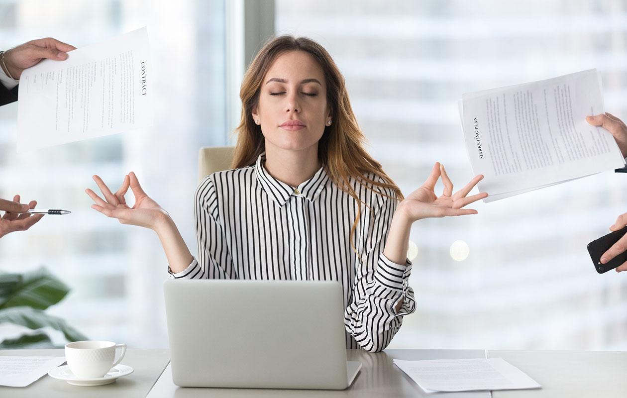 Rauhallinen nainen, stressi, eroon stressistä