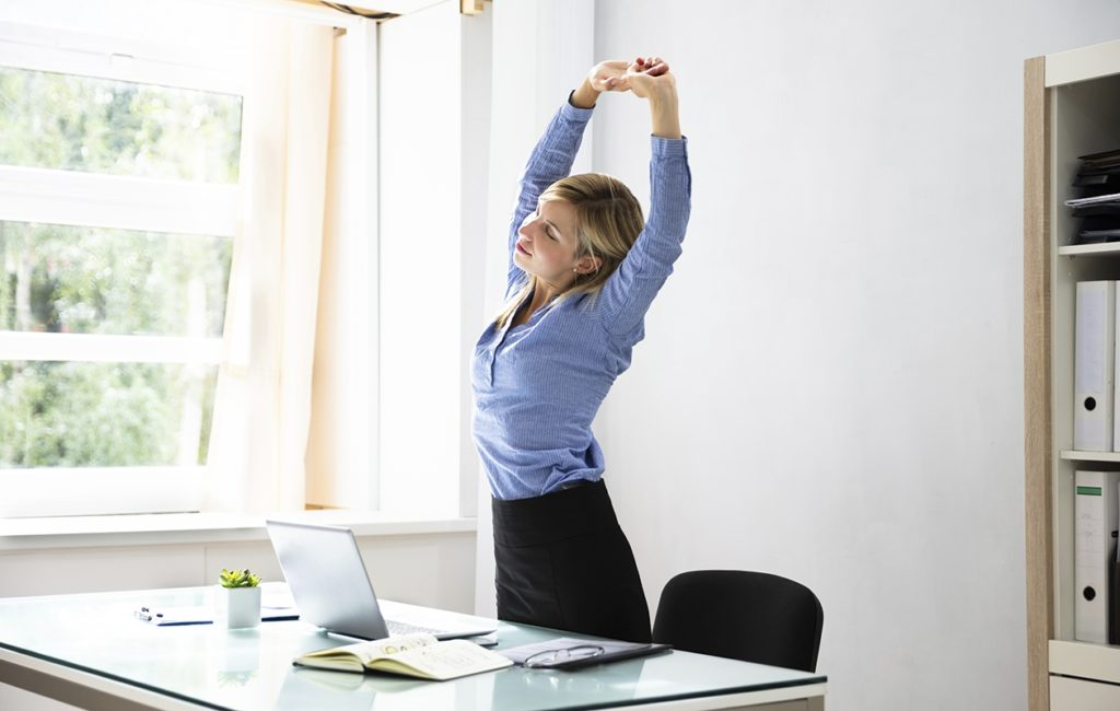 Istuminen hidastaa aivojen verenkiertoa, jolloin työteho heikkenee ja virheet lisääntyvät.