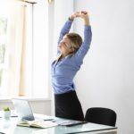 Istuminen hidastaa aivojen verenkiertoa, jolloin työteho heikkenee ja virheet lisääntyvät. <span class=