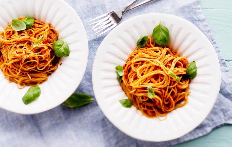 tomaattikastike pastalle