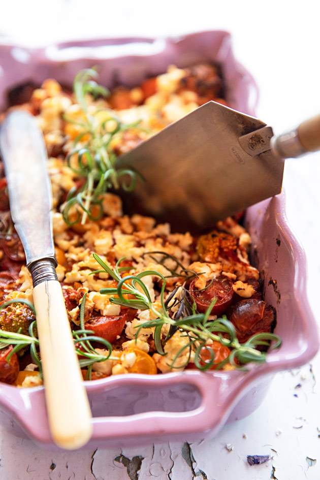 hapankorppu-vuohenjuusto-tomaattipaistos