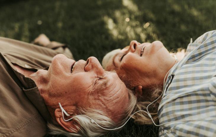 Ihmissuhteet tuovat elämään paljon onnea.