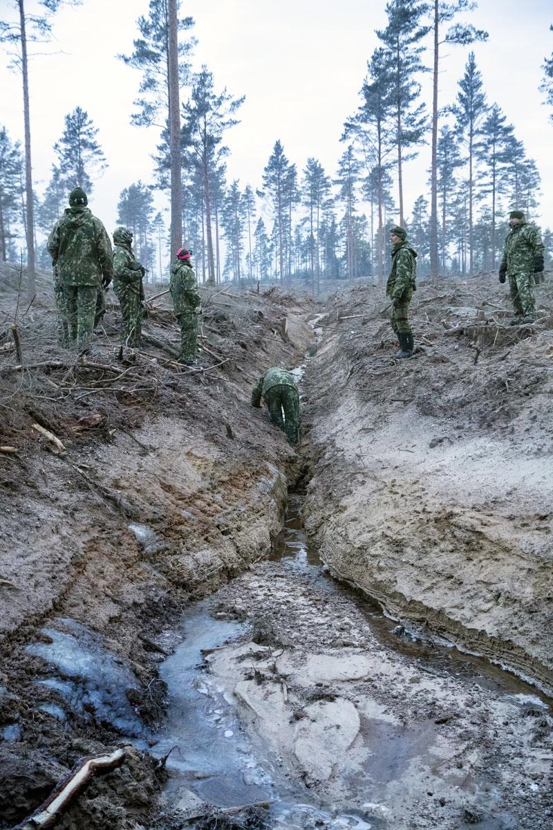 Juomavesi haettiin muutaman sadan metrin päässä olevan ojan kapeasta virtauskohdasta.
