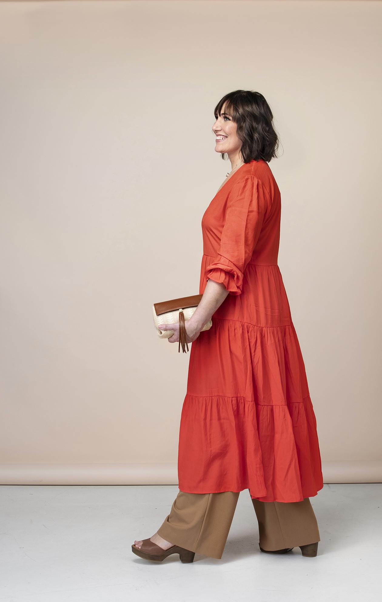 Muuttumisleikki näytti, että mekko sopii myös housunaiselle.