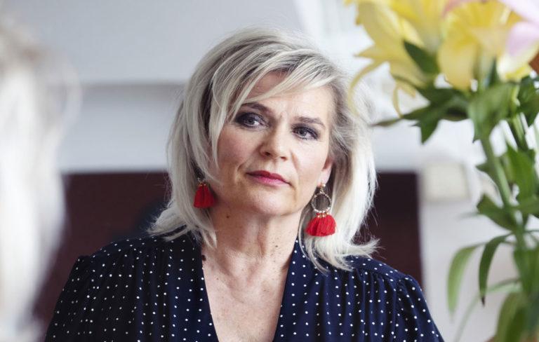 Pirkko Hämäläinen puhuu Annassa puolisonsa Kirsti Simonsuuren kuolemasta