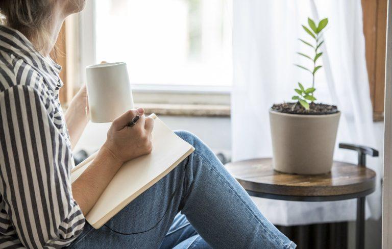 Lukupäiväkirja on kiva tapa kirjata ylös ajatuksia lukukokemuksista, joihin voi palata myöhemmin.