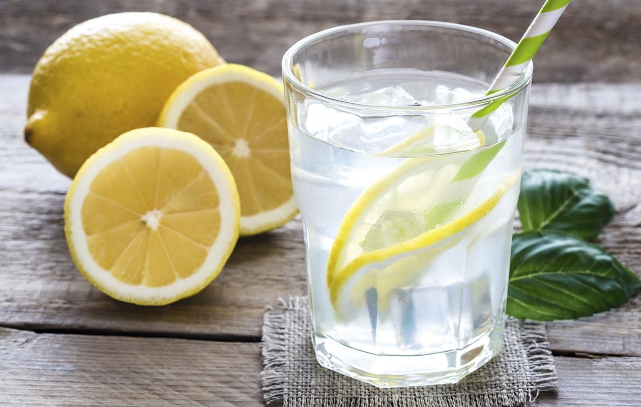 Sitruunavesi Puhdistaa