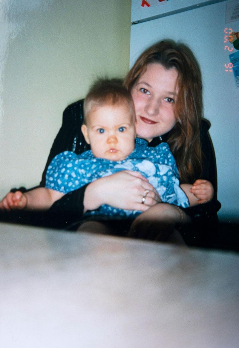 Camilla Sjöberg 23-vuotiaana. Vielä silloin Hortonin neuralgia ei vaikeuttanut hänen elämäänsä.