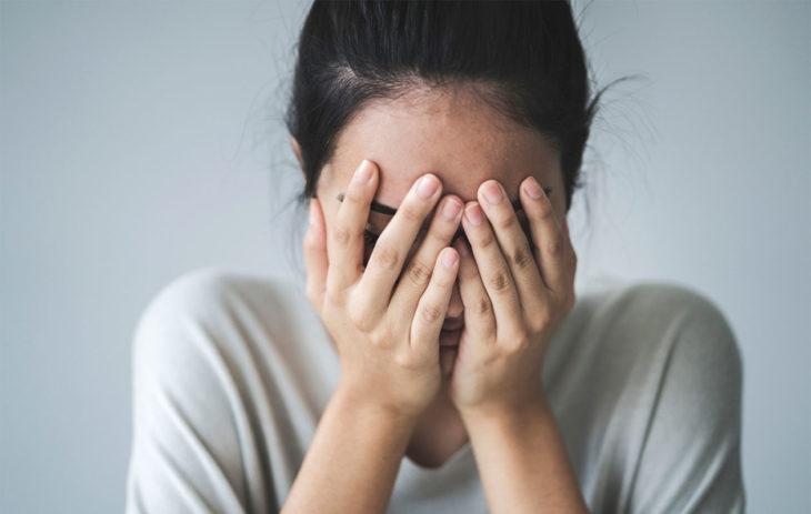 Väsymys on yksi stressin oireista.