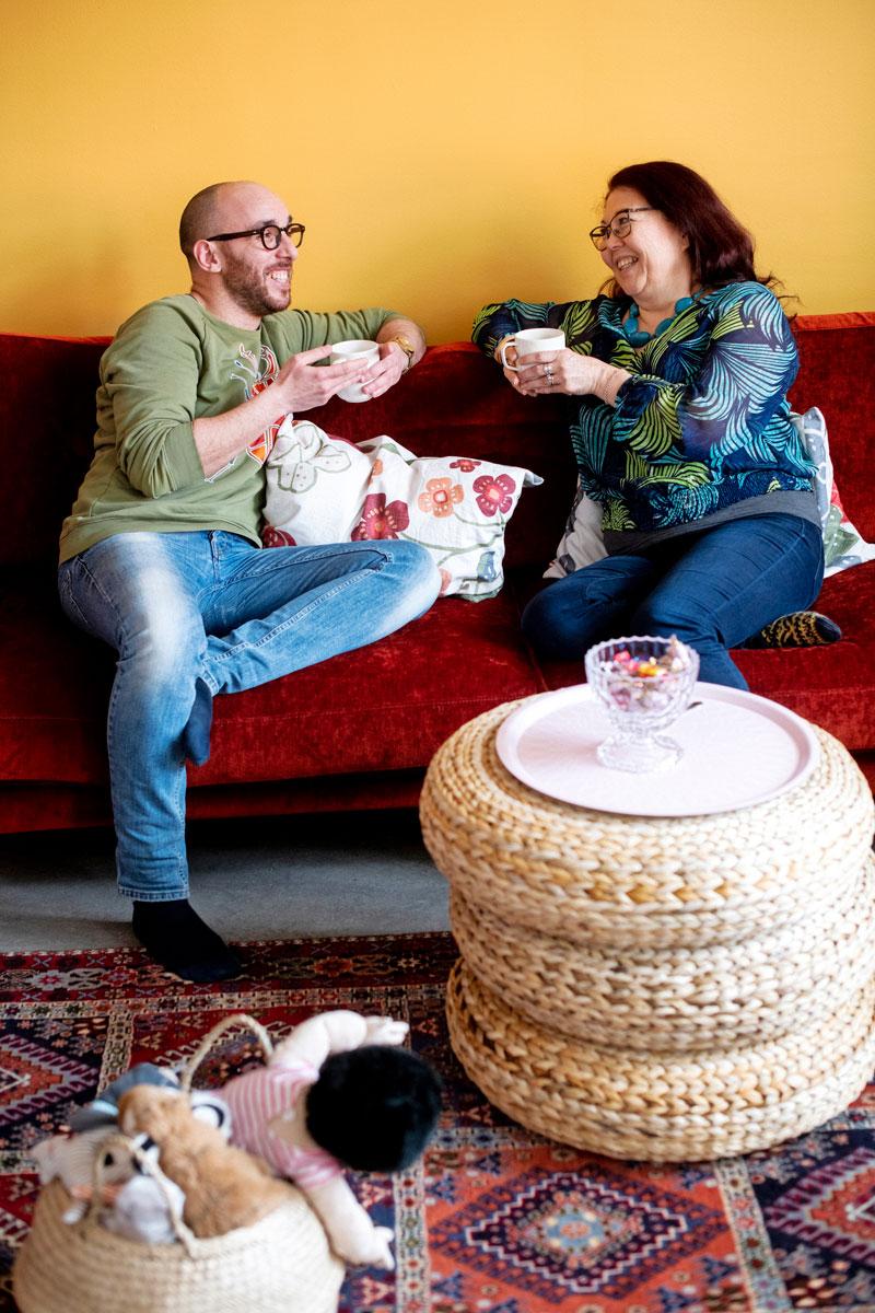 Johanna ja Hassen ovat tehneet yhdessä Sopu-työtä neljän vuoden ajan. Johanna aloitti työn vuonna 2012, Hassen 2017.