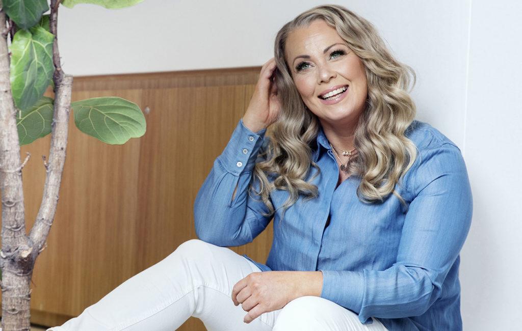 Laulaja Johanna Pakonen on seurustellut viime syksystä.