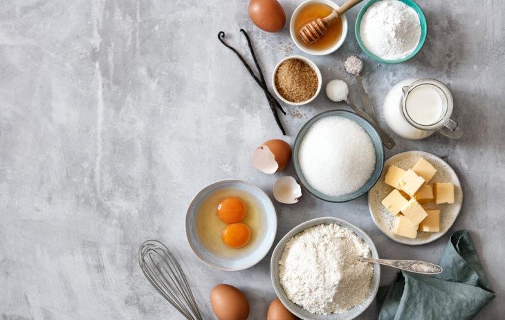 Parasta ennen -päivämäärä annetaan usein esimerkiksi kananmunille ja kuiva-aineksille.