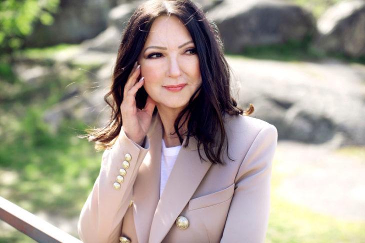 Elina Kanerva on totutellut uuteen sukunimeen avioliiton myötä.