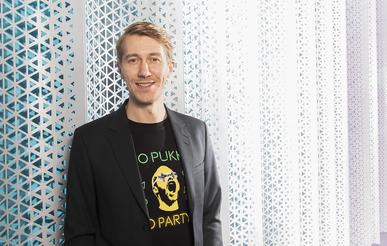 Jussi Vatanen, 42, nähdään Downshiftaajat-sarjassa, jonka kolmas tuotantokausi on katsottavissa Elisa Viihteessä kesäkuun lopussa.