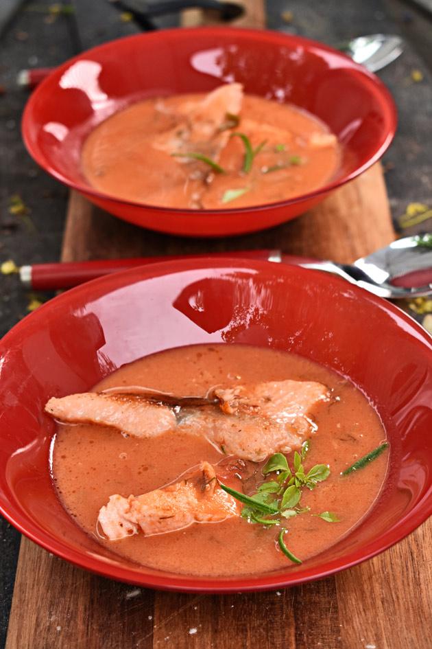 tomaattinen kalakeitto