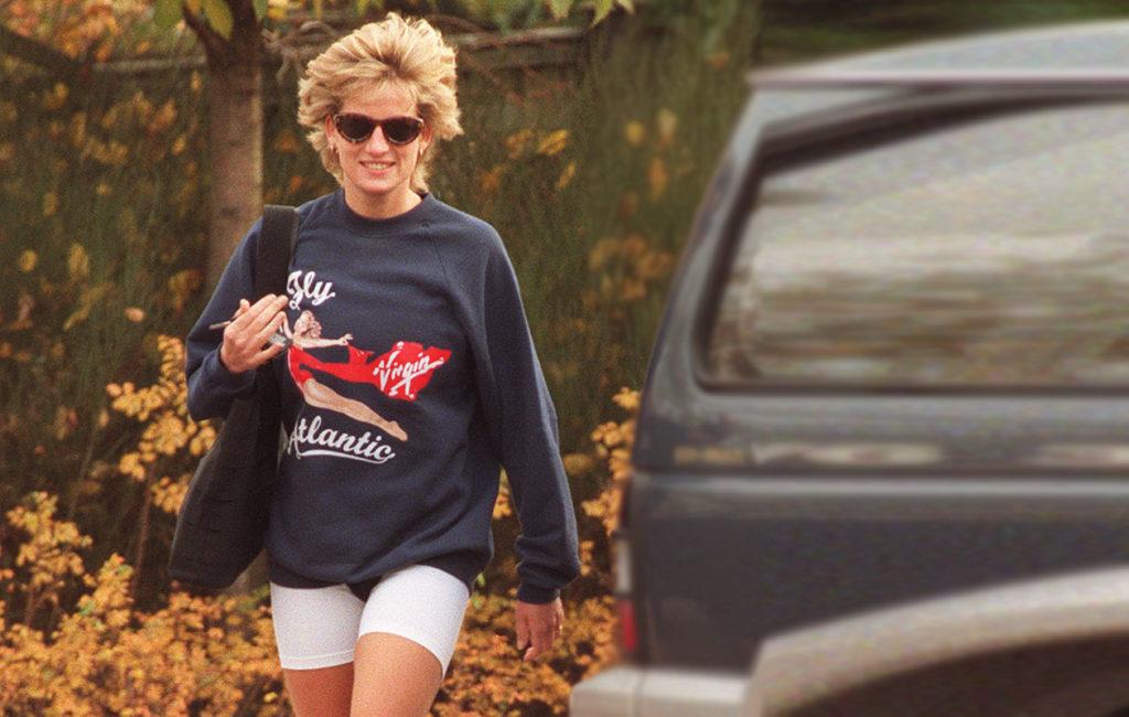 Dianan treeniasut koostuivat usein collegepaidasta ja trikooshortseista.