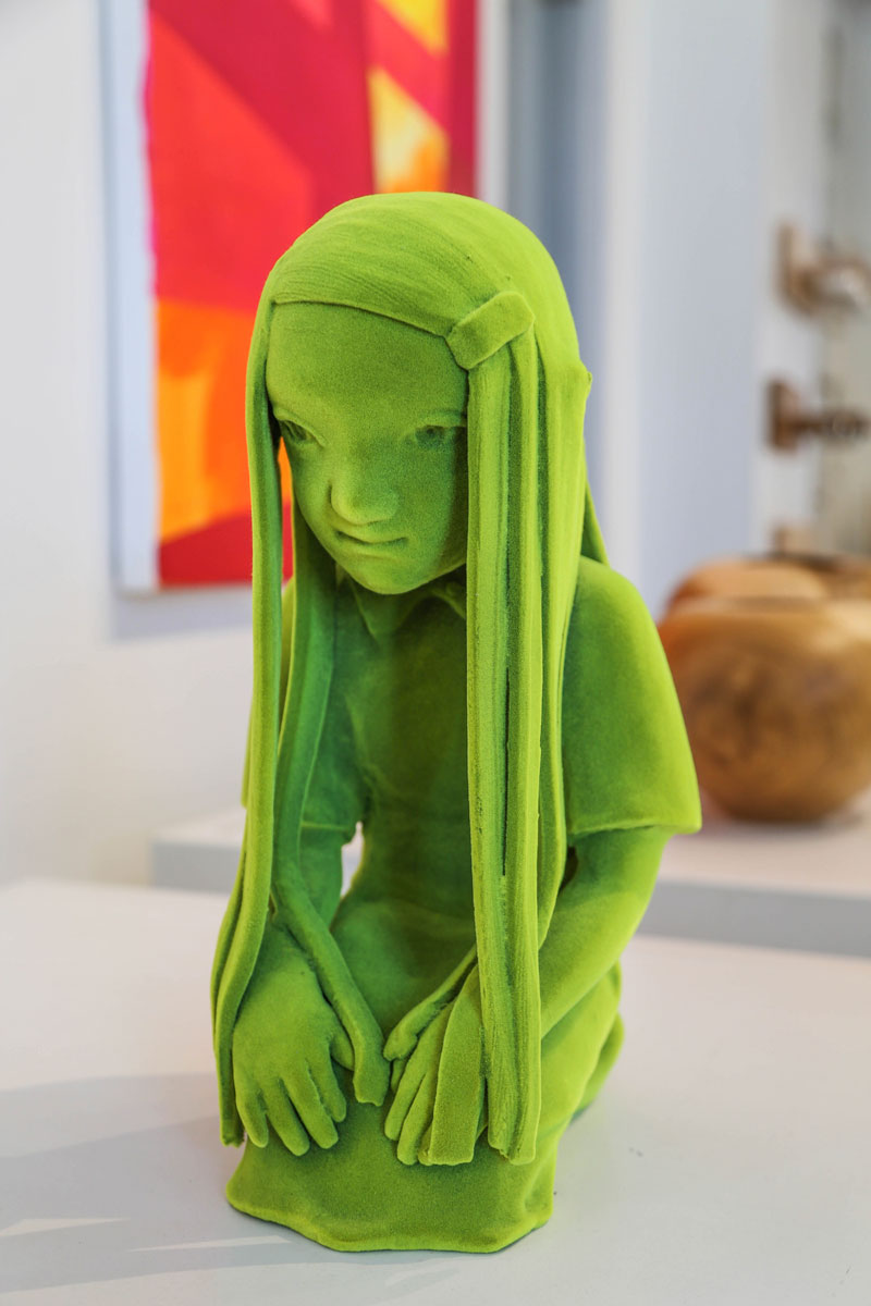 Vihreä hahmo.Piitu Nykoppin ja Kim Simonssonin teokset hurmaavat Fiskarsissa.