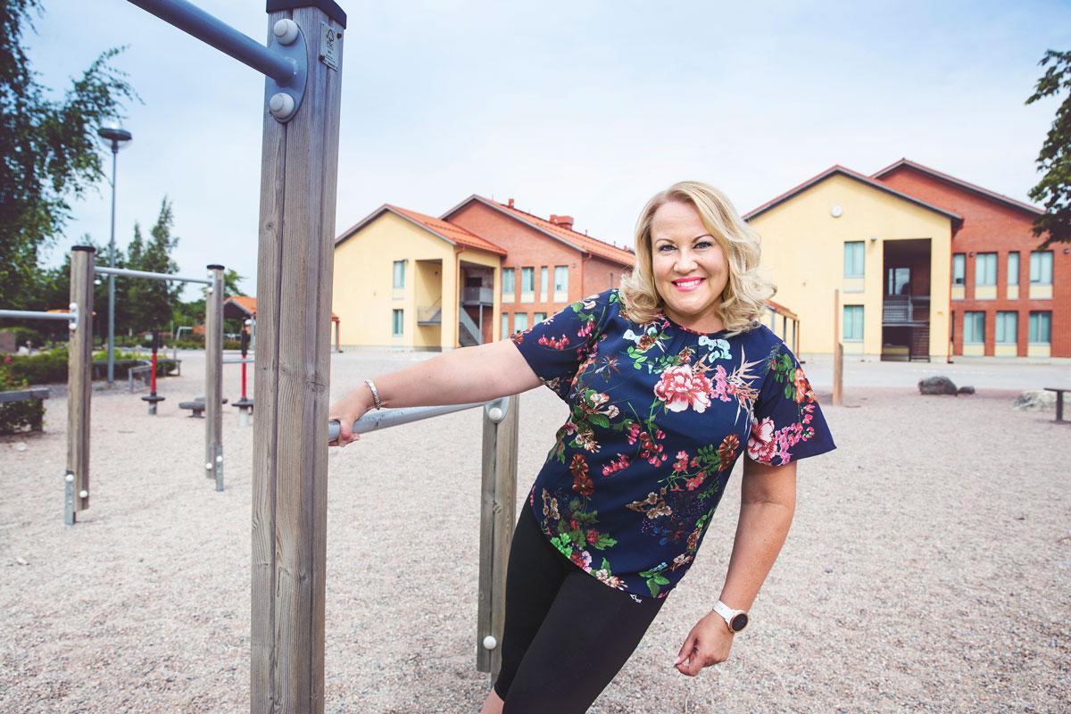 Tangokuningatar Taina Kokkonen, 45, on nykyään luokanopettaja Taina Timucin, joka on jättänyt keikkalavat taakseen vuosia sitten.