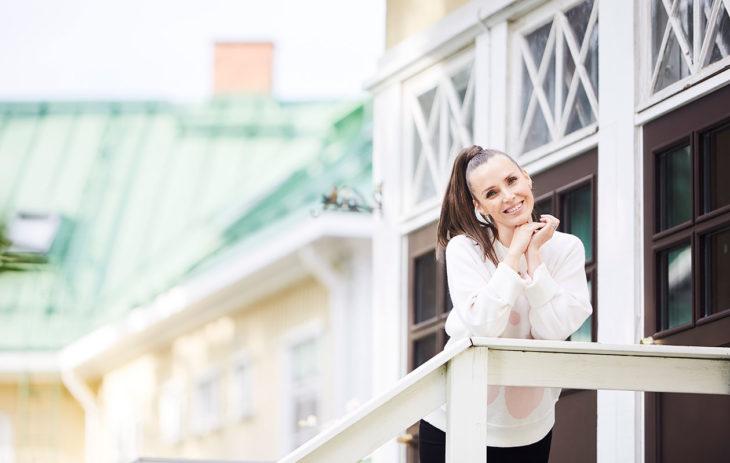 Karoliina Pentikäinen on Annan uusi bloggaaja. Kolmistaan-blogi on pyörinyt jo yli 10 vuotta.