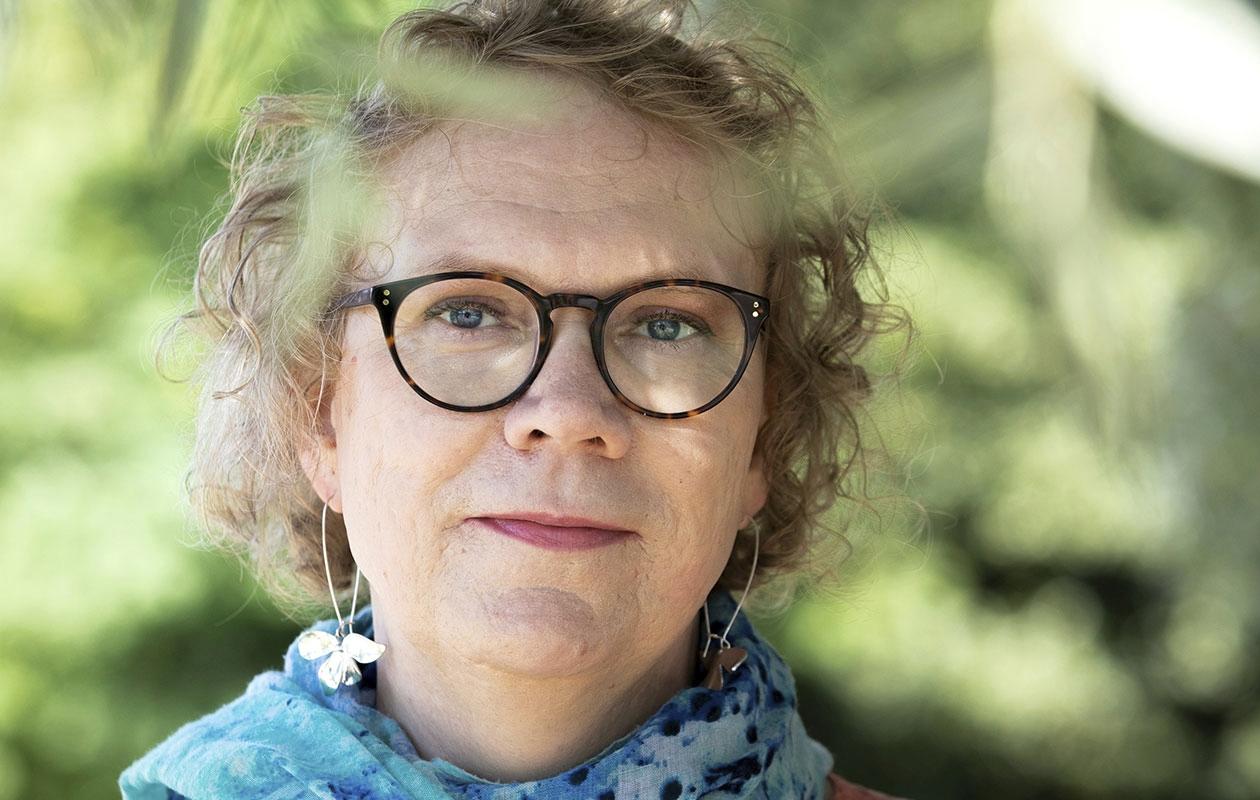 Transnainen Katja Lauri kasvoi poikana ja miehenä.Joulukuusta 2018 lähtien virallisissa papereissa on lukenut Katja Anniina.