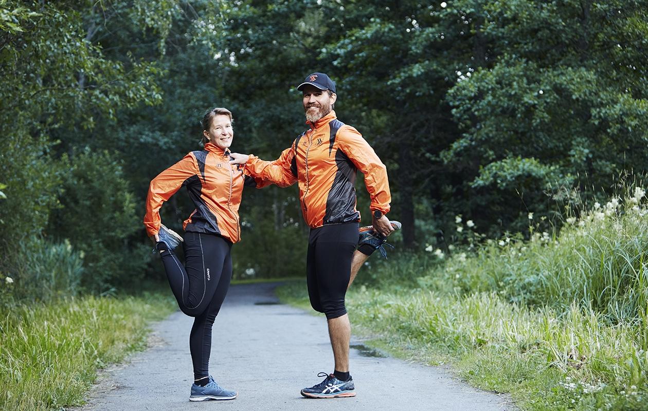 Juosta voi missä tahansa. Kun lapset harrastavat, Maija Laurikkala-Dewes ja Tomi Dewes juoksevat yhdessä.