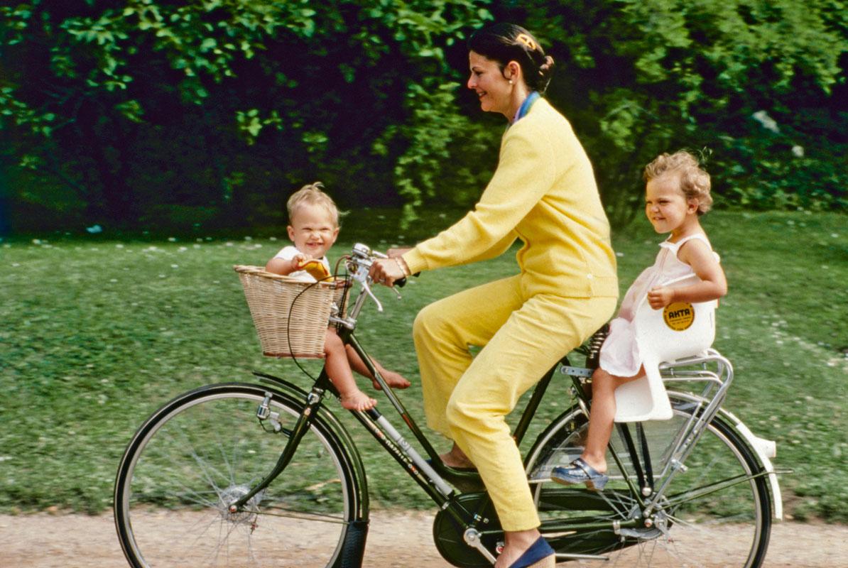 Kuningatar Silvia, prinssi Carl Philip ja prinsessa Victoria