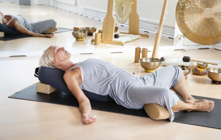 Yin-jooga rauhoittaa sekä kehon että mielen.