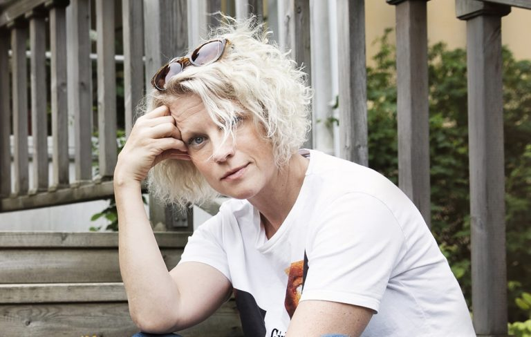 Laura Voutilainen on etsinyt koronakriisin aikana syvää ydintään ihmisenä.