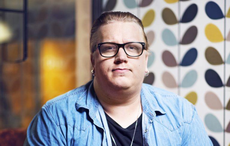 Arttu Wiskarin, 35, uusi albumi Suomen muotoisen pilven alla julkaistiin elokuun lopussa.