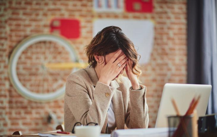 Hampaiden kiristely aiheuttaa herkästi päänsärkyä.