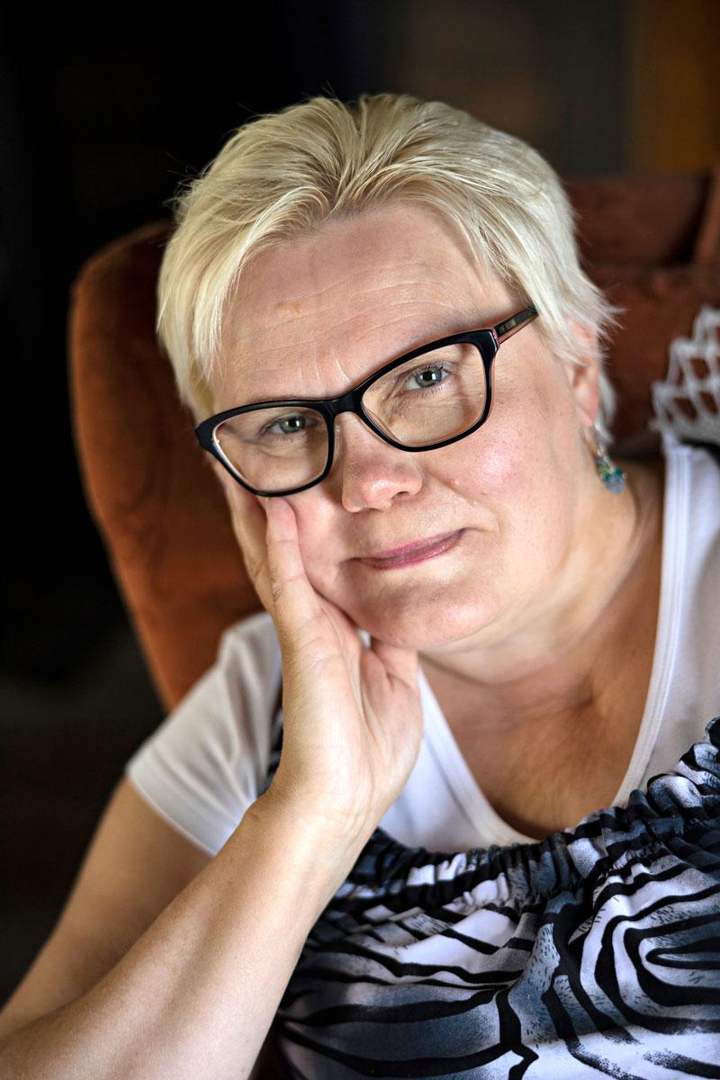 Parkinsonin tautia sairastava Virpi on käynyt Parkinsonliiton vertaistukihenkilö- ja kokemustoimijakoulutukset. Vapaaehtoistoiminnasta saa onnistumisen tunteita ja merkityksellisyyttä elämään.